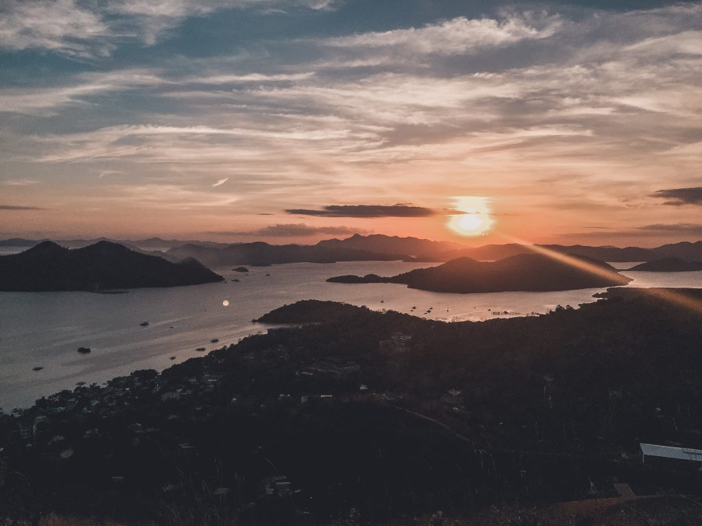 Sunsets are one of the most important things of your Philippines Itinerary - 3 weeks.